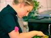Nicole beim Kochen